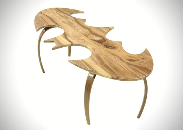 Batman-Bat-Symbol-Coffee-Table-2