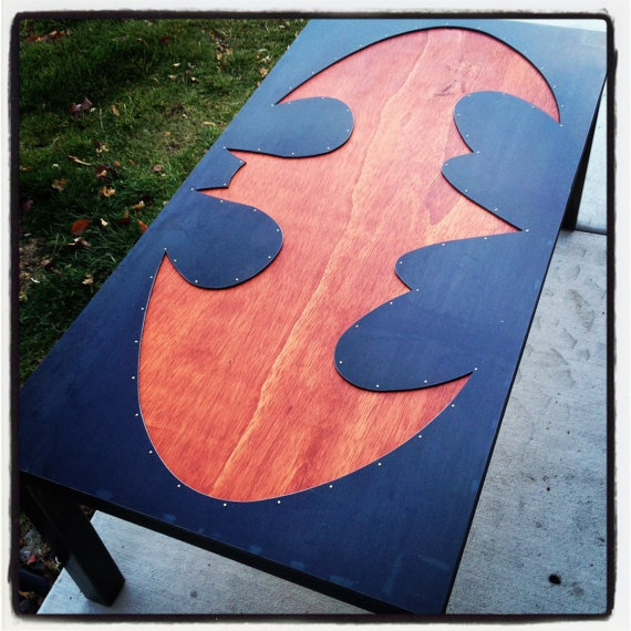 batman-metalwood-table