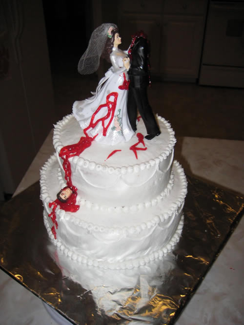 Headless groom dancing with bride divorce cake | riotdaily.com