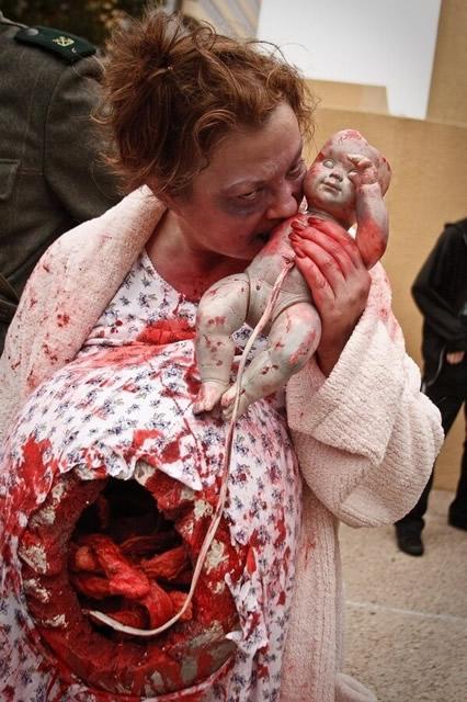 pregnant-zombie8