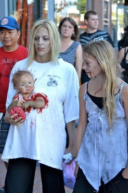 pregnant-zombie9