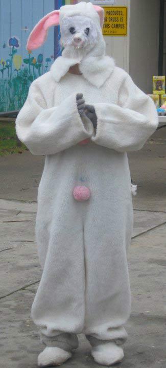 wtfcreepy-easter-bunny