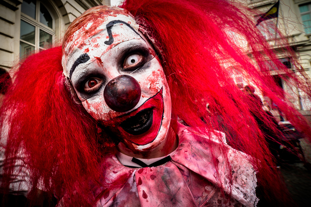 This Killer Clown Prank Is Seriously Creepy And Full Of