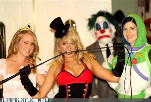 creepy clown photobomb
