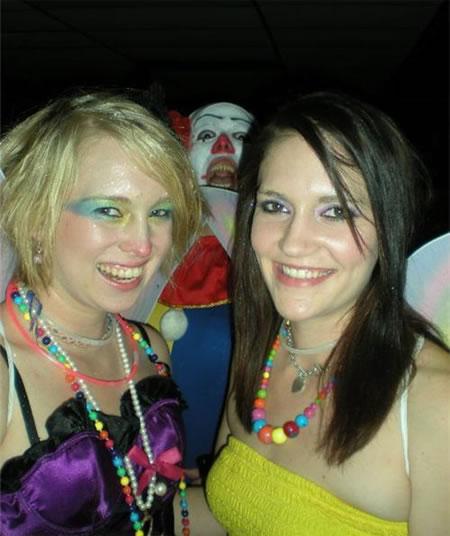 creepy-clown-photobomb5