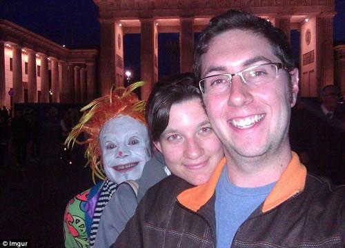 creepy-clown-photobomb7
