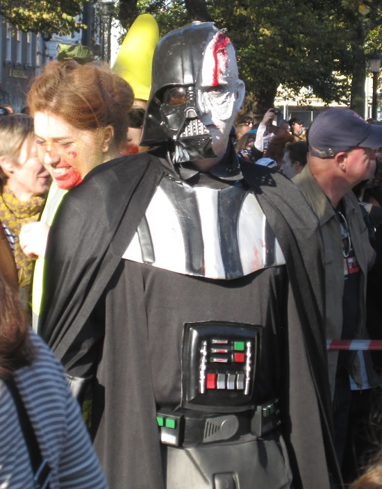 zombie darth vader-starwars-cosplay
